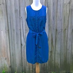 Dresses & Skirts - NWOT Sleeveless blue shirt dress NWOT
